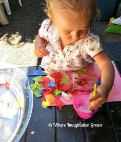 Fun and easy tissue paper collages. This simple activity is lots of fun for toddlers and easy to set up.