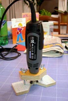 Base para usar un motortool como router