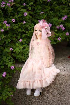 the princess waits... by sassystrawberry