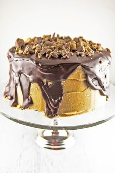 Chocolate cake, peanut butter frosting, chocolate ganache, peanut butter cups. This Peanut Butter Cup Cake is a chocolate and peanut butter lover's dream.