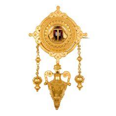 1stdibs | Etruscan Revival XIXth century gold pin