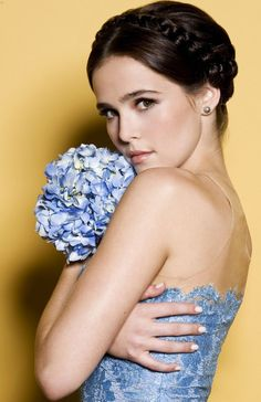 Zoey Deutch *why does she look like a younger version of Ginnifer Goodwin?