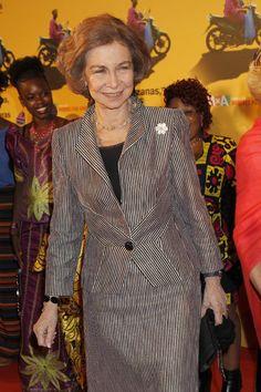 La reina Sofía brilla junto a las estrellas del cine español en apoyo a las mujeres africanas en España