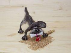 How to make a dog yard Sharik on the frame Needle Felted Animals, Felt Animals, Wet Felting, Needle Felting, Dog Yard, Diy And Crafts, Miniatures, Dolls, Crochet