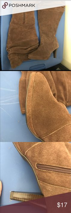 Suede boot nwt. Wide calf. Brown 8.5 m Never used some dust from being in my closet ! Comfy. Hot in Hollywood brown suede slouchy boot. Plenty of room for jeans and leggings hot in hollywood Shoes Heeled Boots