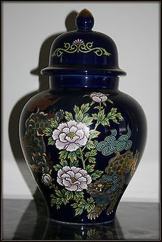 """Exquisite Vintage Japanese Floral Pattern  Porcelain Ginger Jar Vase 10"""" Peacock Blue, Ginger Jars, Jar Lids, Porcelain Ceramics, Wedgwood, Vintage Japanese, Cobalt Blue, Antiques, Vases"""