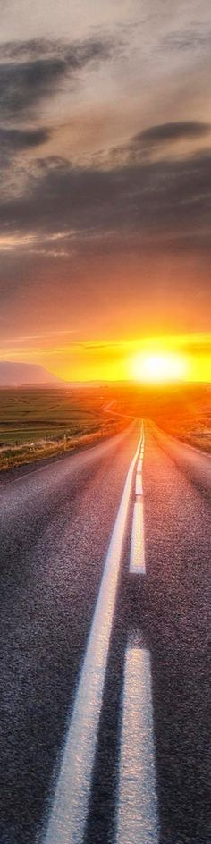 A fabulous long stretch of road and sunset! Hit the road, Toad! Beautiful World, Beautiful Places, Beautiful Sunset, Voyager C'est Vivre, Terra Nova, Nature Landscape, On The Road Again, Belle Photo, Pretty Pictures