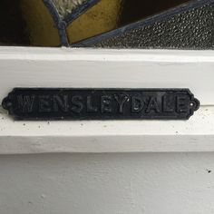 The type used here is from a house name. The house was built in the 1930s so I think the type is from that era. I like the type as it looks like it has been heated up and then molded into the letters