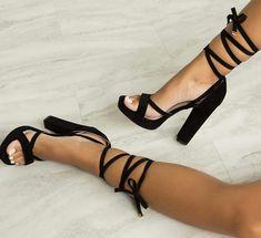 0d2bfe484 Sapatos Femininos, Tipos De Sapatos, Sapatos De Verão, Sapatos De Festa,  Sapatos
