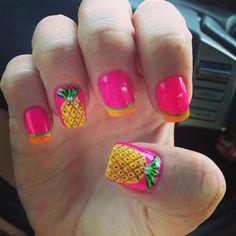 Pineapple nails for summertime