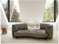 DS-164Design: Hugo de Ruiter Auf diesem organisch gerundeten Sofa fällt es leicht, dem Alltag für eine Weile zu ent-rücken. Das DS-164 von Hugo...