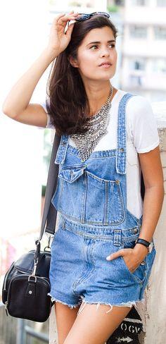 Inspiração - Jardineira com camiseta e max colar