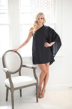 In love with this @fabrikboutique black dress, such a sexy lbd! Help me win it by repinning!