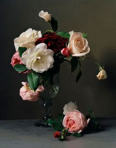 Floral Still Life Arrangement Love Rose, My Flower, Pretty Flowers, Ikebana, Deco Rose, Colorful Roses, Arte Floral, Beautiful Roses, Still Life