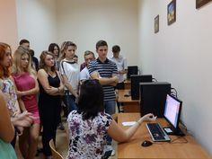 Студенти-першокурсники знайомляться з програмою Ірбіс.