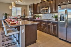 We love this kitchen from our @lennarinlandla team!