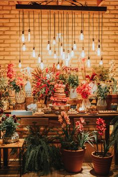 Decoração da mesa de bolo - Casamento Boho no campo