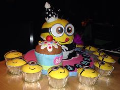 Despicable Me Minion Cake! My bday! ❤️