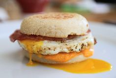 Bacon & egg muffin