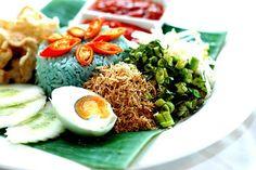 Malaysian Food: Nasi Kerabu ( Blue Rice Salad )