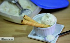HELADO CASERO DE HORCHATA Y YOGUR. INGREDIENTES: 1 yogur griego azucarado, 1 litro de horchata de chufa valenciana (sobrará), 100 ml de nata líquida para montar de 35% M.G., 25 gr azúcar invertido y una cucharada de miel o sirope de ágave.