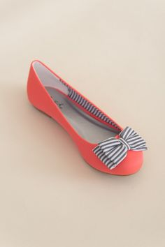 Bow to Stern Flat in Bright Coral