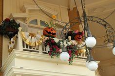 Halloween decorations : IDEAS & INSPIRATIONS  Halloween Decor
