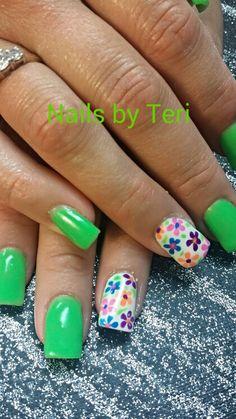 Bright Fun Summer Nails