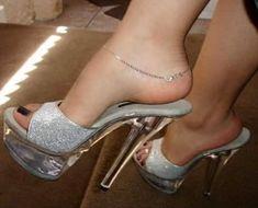 Very sexy toes Sexy Legs And Heels, Hot High Heels, Platform High Heels, Feet Soles, Women's Feet, Beautiful High Heels, Sexy Sandals, Clear Heels, Sexy Toes