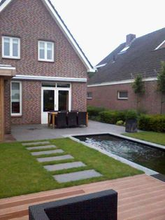 Tuin on pinterest patio plants backyards and decks - Moderne woning buiten lay outs ...