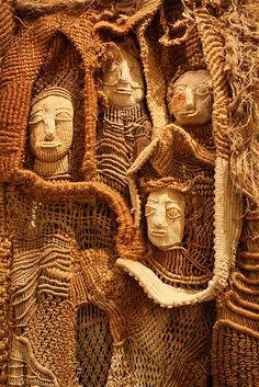 Macramé (ii) by Ester Chacon Avila. Sculpture Textile, Textile Fiber Art, Macrame Art, Macrame Jewelry, Micro Macrame, Urbane Kunst, Knit Art, Crochet Art, Creative Textiles
