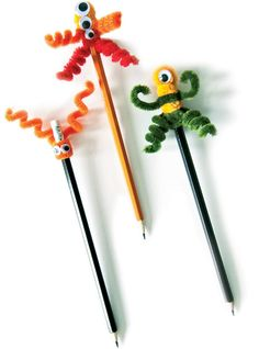 We've always got our eyes open for quick and easy crafts to do with the kids. These pipe cleaner crafts are it!