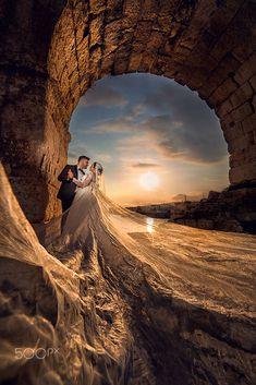 Shimmer by Özgür Aslan on pictures wedding photos Wedding Fotos, Pre Wedding Photoshoot, Wedding Shoot, Wedding Couple Poses, Wedding Couples, Wedding Photography Poses, Couple Photography, Marriage Poses, Marriage Pictures