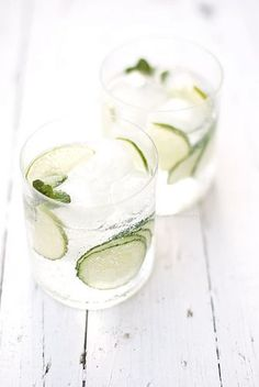 Cucumber, Lime and Mint Gin Tonic.I do the cucumber & mint with water, but gin & tonic sounds much better! Party Drinks, Cocktail Drinks, Cocktail Recipes, Alcoholic Drinks, Beverages, Drink Recipes, Refreshing Cocktails, Yummy Drinks, Healthy Drinks