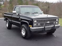 old trucks chevy 80s Chevy Truck, Vintage Chevy Trucks, Vintage Cars, Antique Trucks, Vintage Ideas, Chevrolet Silverado, Chevrolet Trucks, Silverado 4x4, 1957 Chevrolet
