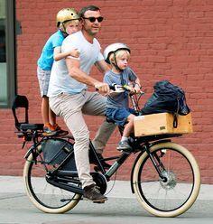 Liev Schreiber transported son Samuel and Sasha to school via bike in NYC Sept. 11.