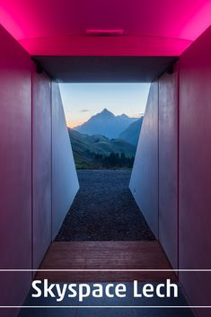 You're looking at Skyspace Lech, a recent installation on an Austrian mountaintop by light and space artist, James Turell.⁣ ⁣ Opened in… James Turrell, Minimalist Architecture, Modern Architecture, Contemporary Photography, Contemporary Art, Oasis, Hr Giger, Light Installation, Art Installations