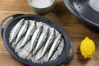 Sardinas a la sal: receta en Thermomix Spanish Cuisine, Spanish Food, Starfish And Coffee, Cooking For Dummies, Kitchen Recipes, Fish Recipes, Tapas, Food To Make, Food And Drink