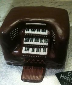Church Organ Cake - Love how this came out.