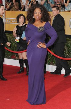 Oprah Winfrey arrives at the Annual Screen Actors Guild Awards at The Shrine Auditorium on January 2014 in Los Angeles, California. via StyleList Oprah Winfrey, Fashion Leaders, Fashion News, Beautiful Black Women, Beautiful People, Gala Dresses, Wedding Dresses, African Wear, African American Women