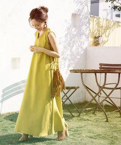 おしゃれ初心者さんでもサマになる!【大人女子向け】楽ちん夏ワンピース特集♡ | folk Fashion Over 50, Work Fashion, Chic Outfits, Summer Outfits, Minimal Dress, Tokyo Street Style, Tent Dress, Japan Fashion, Simple Dresses