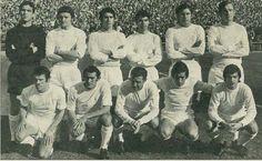 1971 Real Madrid - De pie, de izquierda a derecha: Borja, Zunzunegui, Benito, Sanchís, Grande, Zoco, Amancio, Pirri, Grosso, Velázquez y Miguel Pérez