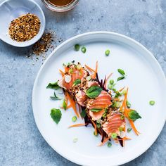 Salmon Tataki // @christellerocks. Find this #recipe and more on our Fish Feed at https://feedfeed.info/fish?img=1151948 #feedfeed