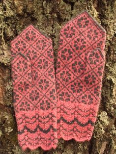 Finely Hand Knitted Estonian Mittens in Grey and by NordicMittens