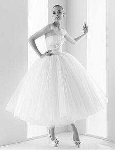 Tea length/Audrey Hepburn Funny Face Ball Gown #wedding #dress www.loveitsomuch.com