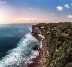 9 Photo Terkece dari Pantai Uluwatu Bali