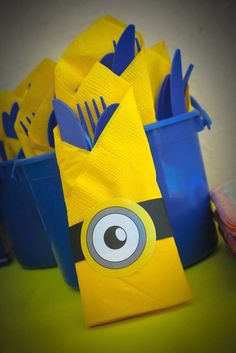 Minions are amazing theme for the parties. These DIY Minion Party Ideas will help you throw extravagant parties. 4th Birthday Parties, Birthday Fun, Birthday Ideas, Diy Minion Birthday Party, Park Birthday, Minion Theme, Despicable Me Party, First Birthdays, Party Ideas
