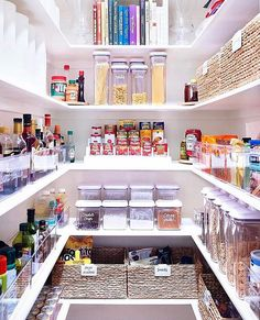 The Home Edit {THE} is a full-service home organization company based in Nashville, but available nation-wide. Diy Kitchen Storage, Diy Kitchen Decor, Kitchen Ideas, Kitchen Inspiration, Room Inspiration, Pantry Design, Kitchen Design, Home Decor Bedroom, Diy Home Decor