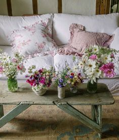 Shabby Chic Interior Design Ideas For Your Home Living Room Redo, Shabby Chic Living Room, Shabby Chic Cottage, Shabby Chic Homes, Shabby Chic Style, Shabby Chic Decor, Romantic Cottage, Cozy Cottage, Living Rooms