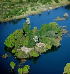 Sindabezi Island is a private island on the Zambezi River in Zambia, located near the famous Victoria Falls. Chutes Victoria, Victoria Hall, World Travel Guide, African Countries, Africa Travel, Aerial View, Places To See, The Good Place, Island